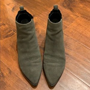 Marc Fisher boots size: 7.5